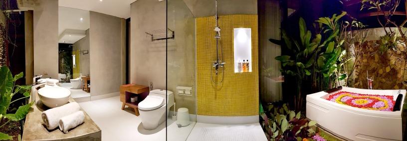 180327_deLodtunduh_Villa_1_1st_Master_Bathroom_20180324_193522_Panorama_r_c