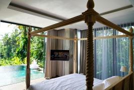 180327_deLodtunduh_Villa_1_1st_Master_Bedroom_DSC00843_r_c