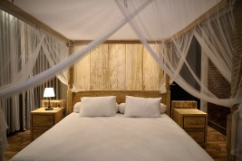 180327_deLodtunduh_Villa_1_1st_Master_Bedroom_DSC00940_r_c