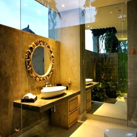 180327_deLodtunduh_Villa_1_2nd_Master_Bathroom_DSC00749_r_c