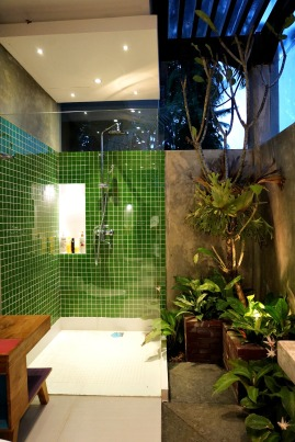 180327_deLodtunduh_Villa_1_2nd_Master_Bathroom_DSC00756_r_c