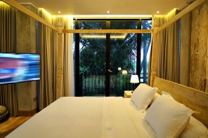 180327_deLodtunduh_Villa_1_2nd_Master_Bedroom_DSC00746_r_c