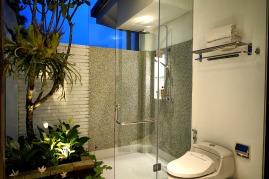 180327_deLodtunduh_Villa_1_2nd_Twin_Bathroom_DSC00759_r_c
