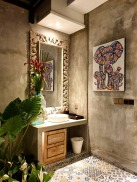043_181012_deLodtunduh_Villa_2_Master_Bathroom_112473_dr